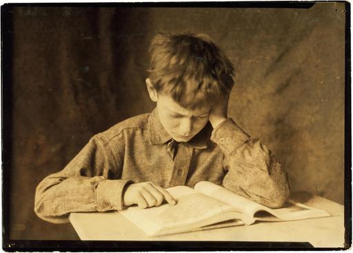 Jeune écolier en 1924