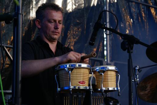 Joueur de bongo du groupe polonais Beltaine