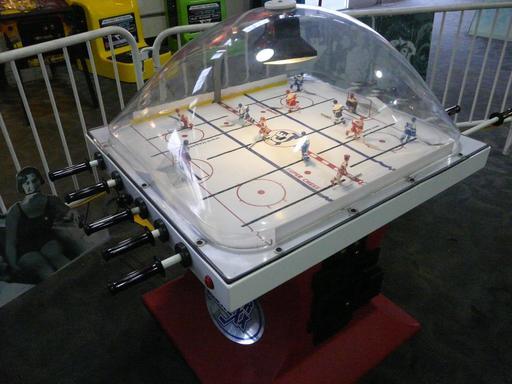 Joueurs de hockey au Musée Mécanique de San Francisco