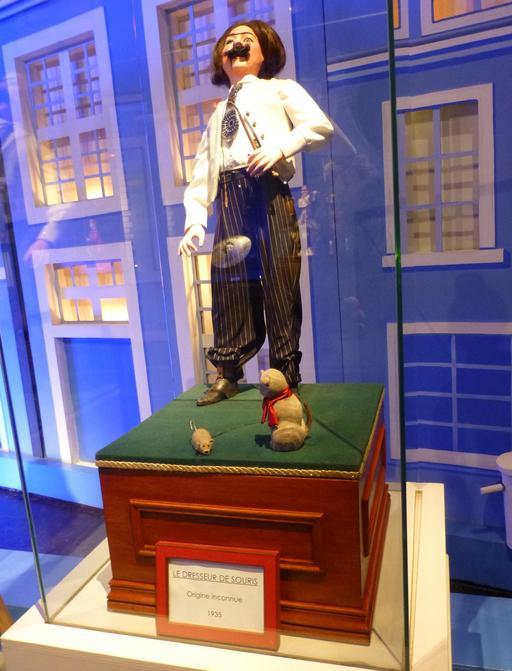 La dresseur de souris au musée des automates