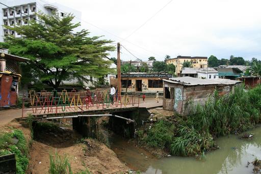 La passerelle d'Alioum Moussa à Douala