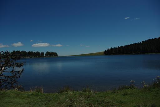 Lac de Servières en Auvergne en été