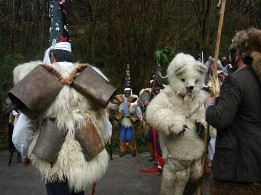 Le carnaval de la Vijanera, l'ours