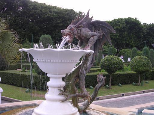 Le dragon de la fontaine à Singapour