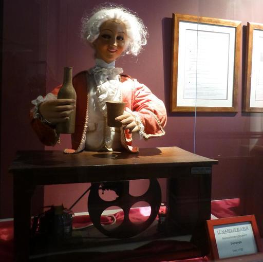 Le marquis buveur au musée des automates