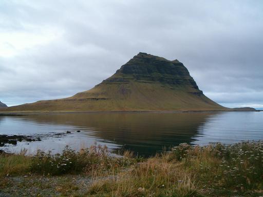 Le mont Kirkjufell en Islande
