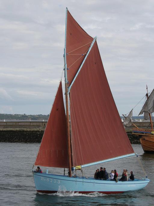 Le Saint Guénolé en rade de Brest