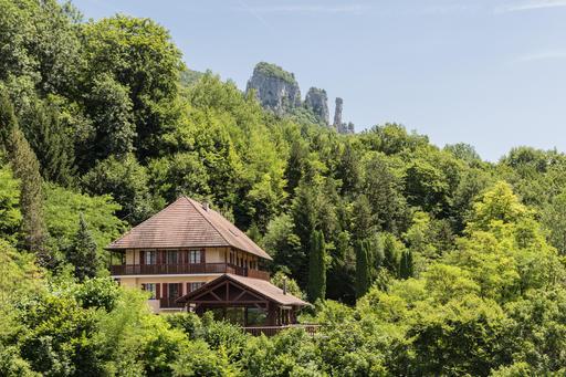 Les tours Saint-Jacques en Haute-Savoie