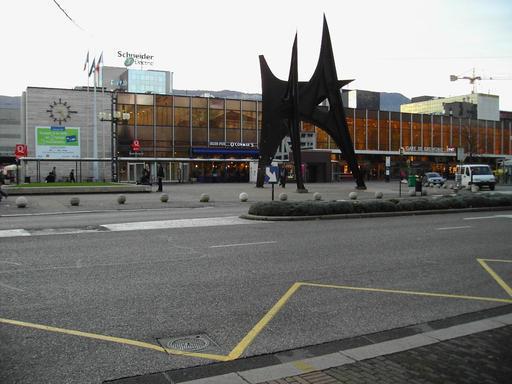 Les trois pics de Calder à Grenoble