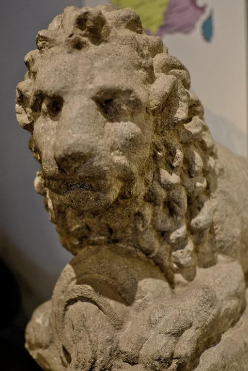 Lion à l'urne fluente au musée de Dijon