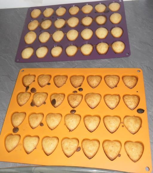 Madeleines cuites en cœurs et coquillages
