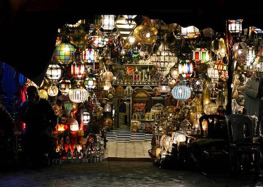 Magasin de lanternes à Marrakesh