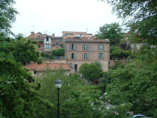 Maison rose en briques à Albi