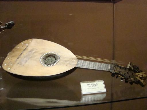 Mandoline du XVIème siècle