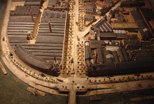 Maquette de l'usine LU en 1900