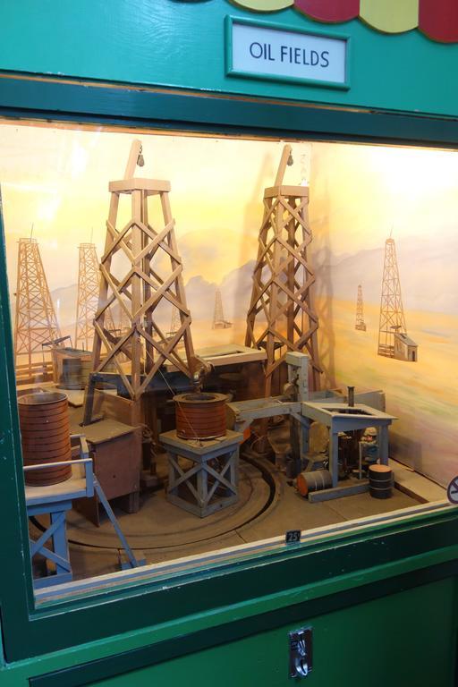 Maquette de puits de pétrole au Musée Mécanique de San Francisco