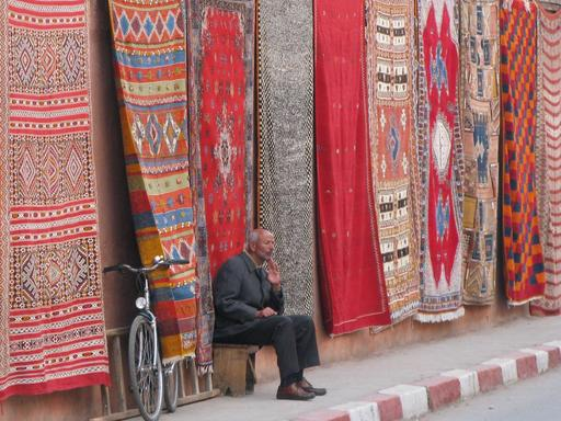 Marchand de tapis à Marrakech