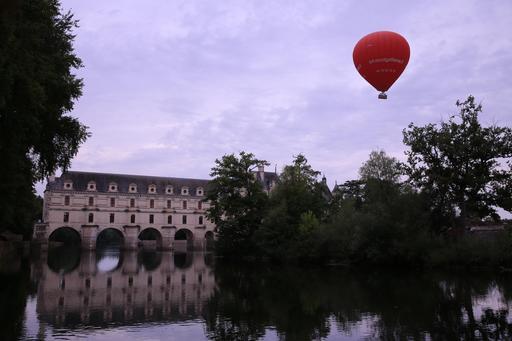 Montgolfière au-dessus du château de Chenonceau