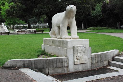 Monument de François Pompon à Dijon