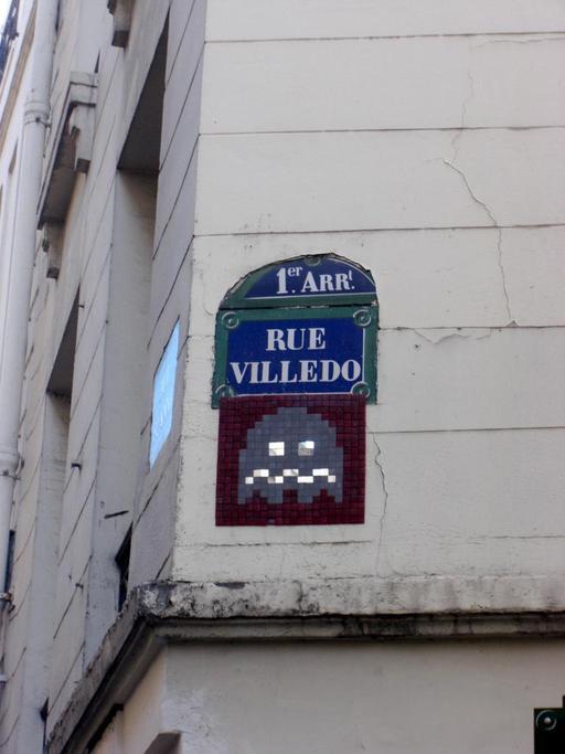 Mosaïque de Space Invader Rue Villedo