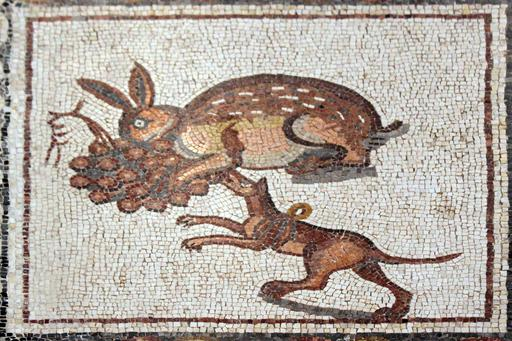 Mosaïque du lièvre et du chien