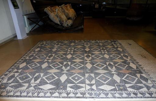 Mosaïque géométrique de Lattara à Lattes