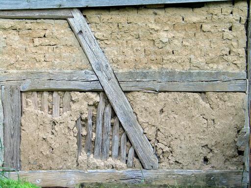 Mur à colombage en torchis