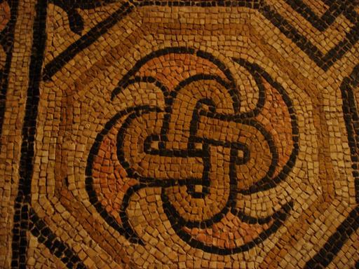 Noeud central de mosaïque romaine