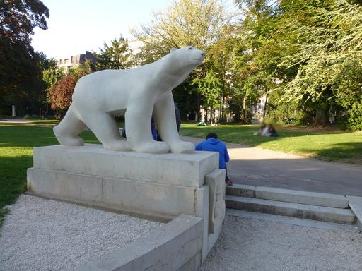Ours blanc du jardin Darcy à Dijon