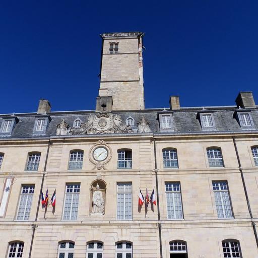 Palais des ducs de Bourgogne et Tour de Philippe le Bon à Dijon