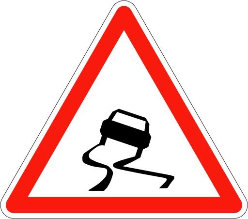 Panneau de signalisation de chaussée glissante