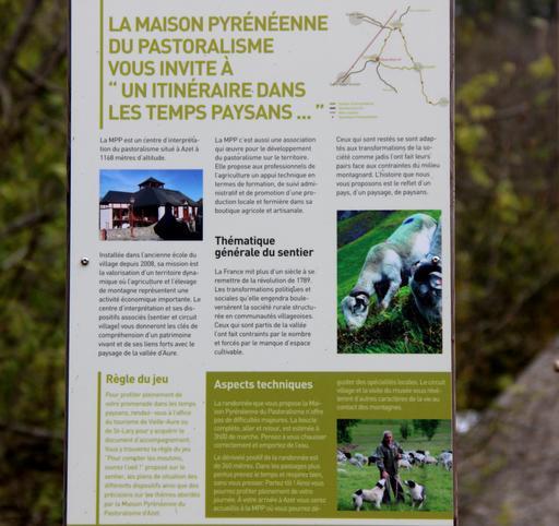 Panneau du centre d'interprétation du pastoralisme pyrénéen