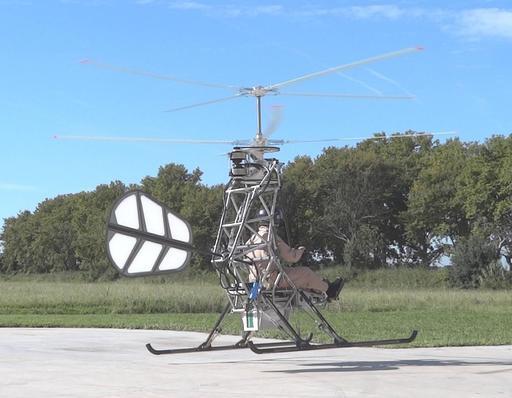 Pascal Chrétien dans un hélicoptère électrique