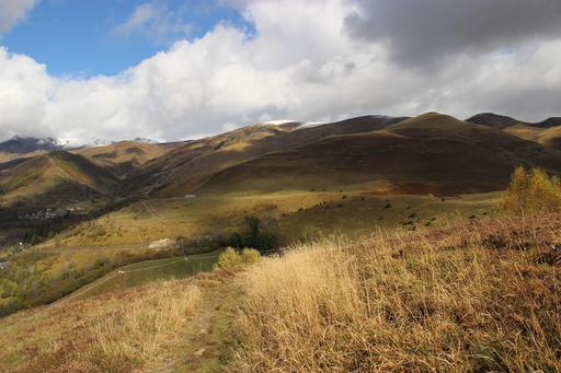 Paysage pyrénéen en automne