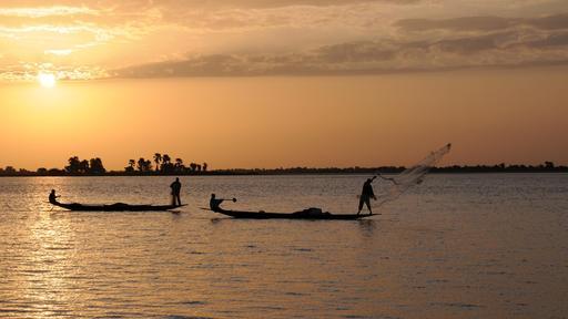 Pêcheurs à Diafarabé au Mali sur le Niger