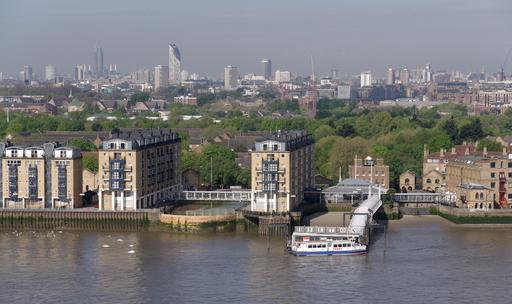 Péniche sur la Tamise à Londres