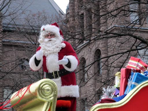 Père Noël en chariot