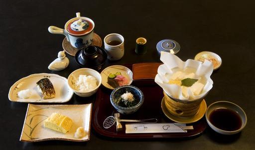 Petit déjeuner traditionnel au Japon
