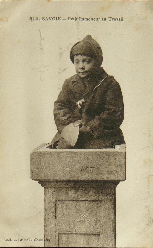 Petit ramoneur de cheminée en Savoie en 1910