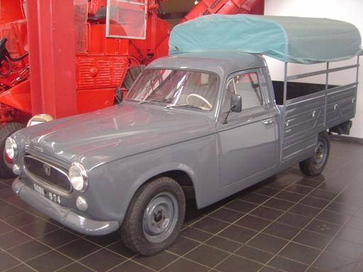 Peugeot 403 immatriculée 974