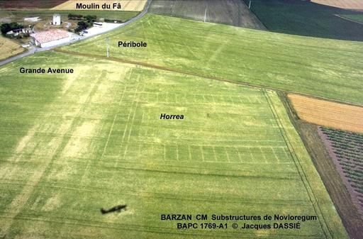 Photo aérienne du site gallo-romain de Barzan