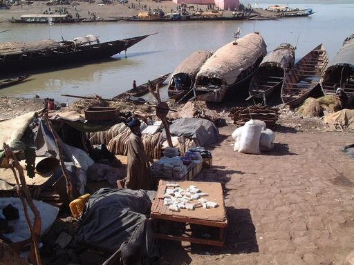 Pinasses au Mali