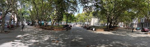 Place des trente-trois arbres à Montevideo