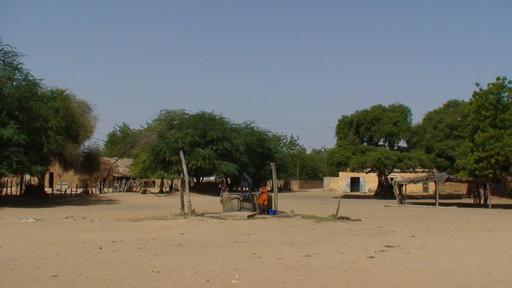 Place du marché de Ndiawara au Sénégal