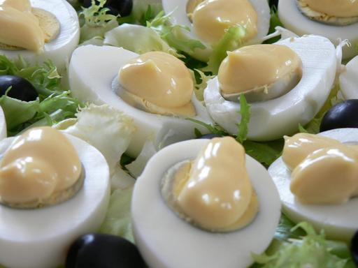 Plat d'oeufs mayonnaise