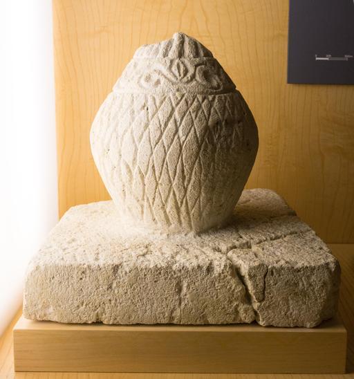 Pomme de pin gallo-romaine votive