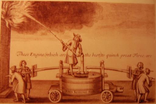 Pompe à incendie du XVIIème siècle