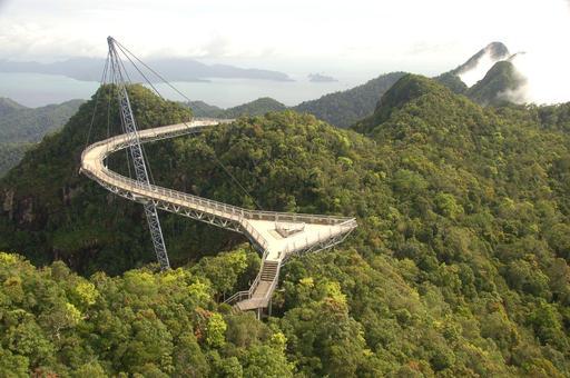 Pont du ciel en Malaisie