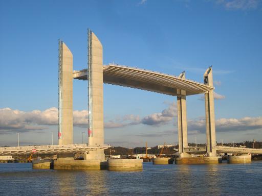 Pont Jacques-Chaban-Delmas levé
