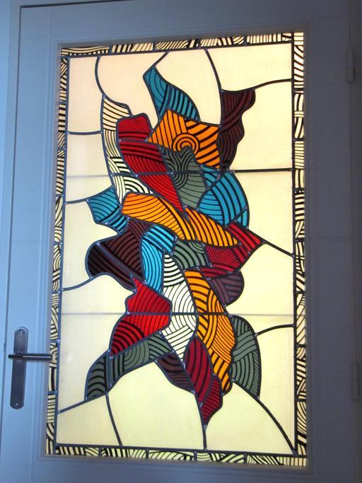 Porte avec vitrail